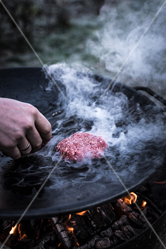 Hamburger Patty grillen