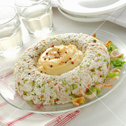 A ring of rice with prawns and mayonnaise