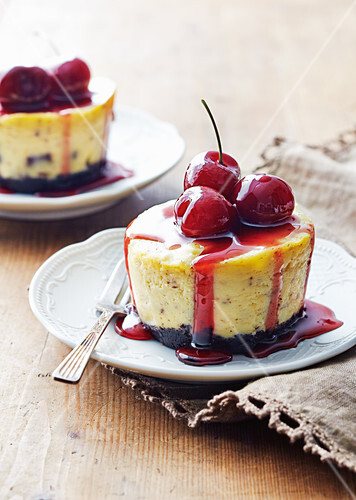 Black forest cheesecakes