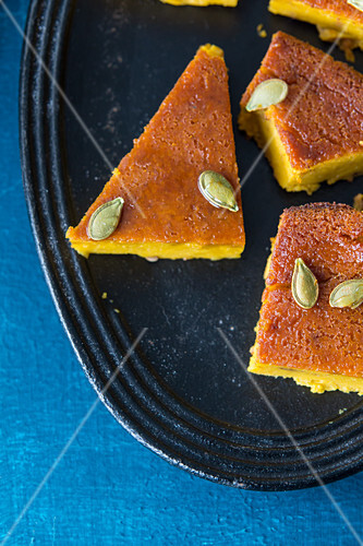 Pumpkin cake with seeds