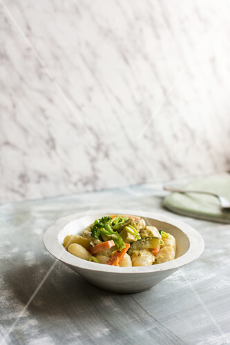 Gnocchi with Asian vegetable curry