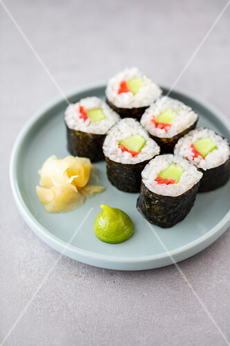 Vegan maki sushi with honeydew melon and pink ginger