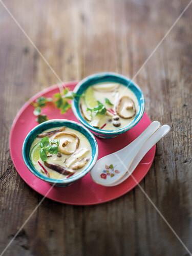 Tom Kha Gai Suppe (Thailand)