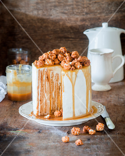 Vertical honey cake with sour cream and caramel