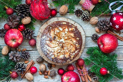 Apfel-Gewürz-Kuchen zu Weihnachten