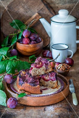 Plum cake with walnut