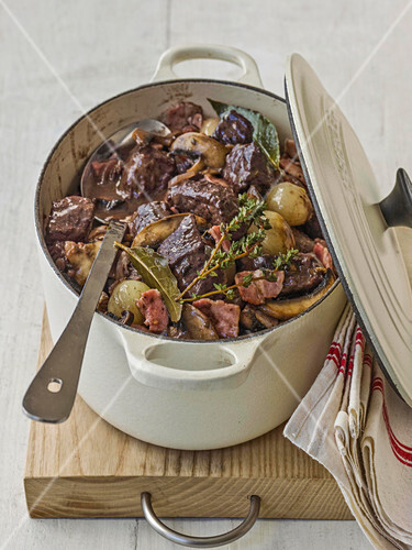 Boeuf bourguignonne in red wine, onions, carrots and pancetta