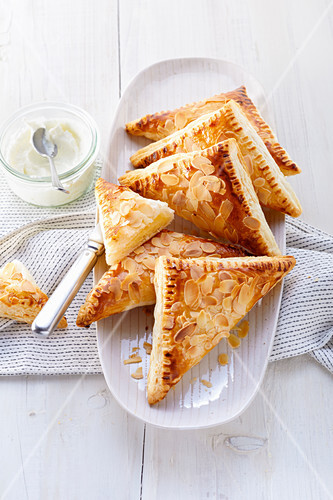 Puff pastry with vanilla quark filling