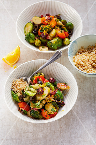 Carrots and sprouts with herbs and olives