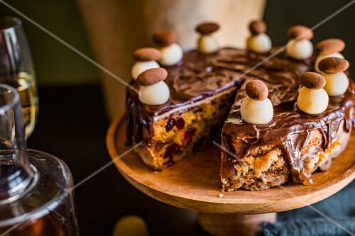 Simnel Cake mit Schokoladenglasur zum Oster High Tea