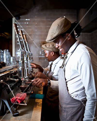 A barista making coffee in Coco Safar (Cape Town, South Africa)
