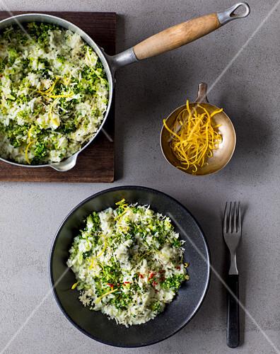 Broccoli risotto with almonds