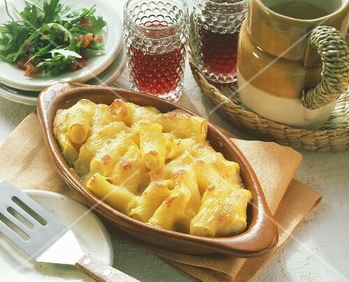 Rigatoni bake with cauliflower filling