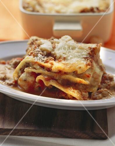 Lasagne al forno (baked pasta dish)