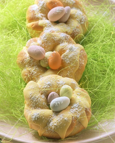 Sweet Easter nests in quark yeast dough