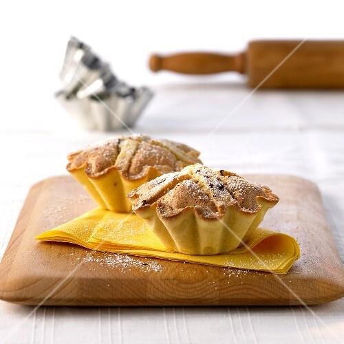 Leipziger Lerchen ('Leipzig larks', small almond tarts)