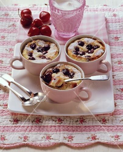 Quark rice pudding with English morellos