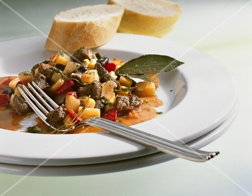 Ostrich chili with potatoes and kidney beans