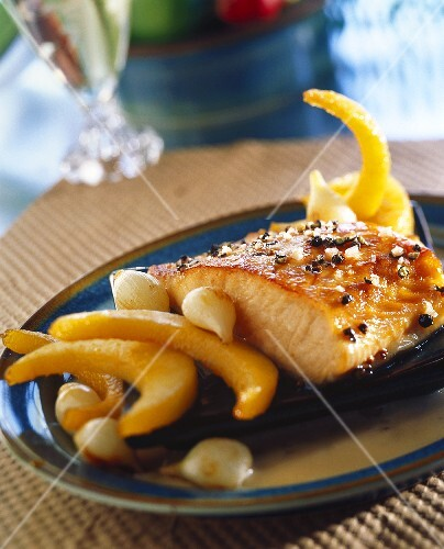 Salmon in maple syrup with pearl onions and quinces