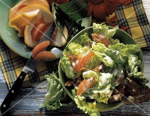 Batavia lettuce with grapefruit, pecans & cream dressing