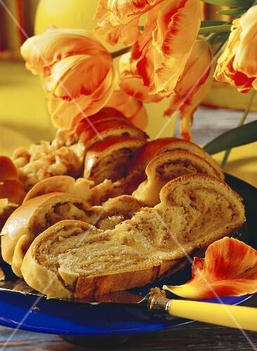 Filled bread plait
