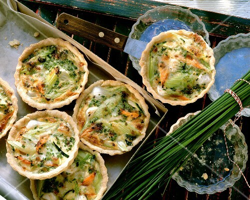 Small vegetable quiches with spring onions & chives