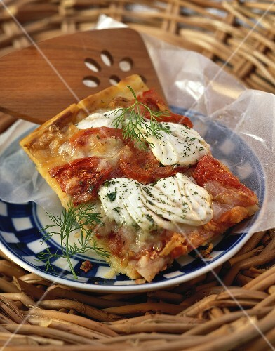 Pizza di patate al pesce (Potato pizza with halibut)