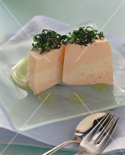Fish timbales with spinach and wasabi dip