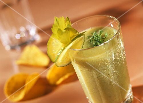 Vegetable smoothie with cucumber, celery & cress