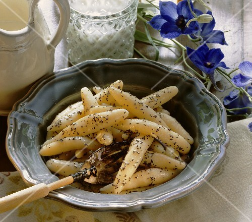 Potato noodles with poppy seed butter