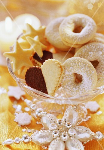 Christmas biscuits: stars, rings and hearts