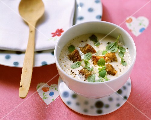 Zuppa di vino (Wine soup with fresh marjoram and croutons)