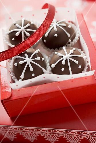 Chocolates to give as a gift (Christmas)