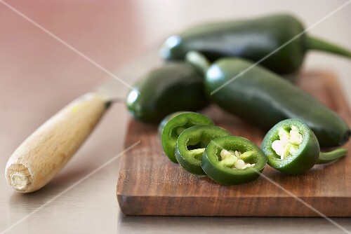 Green chillies, whole and cut into rings