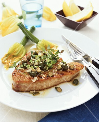 Tonno alla palermitana (Tuna steak with capers, Italy)