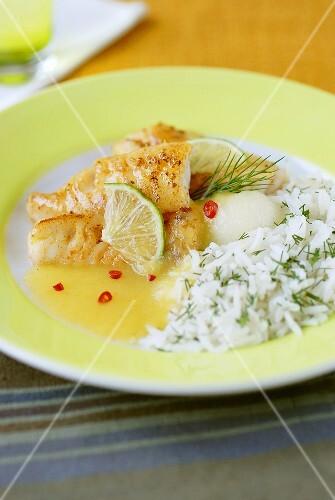 Barschfilet mit Paprika, Melonensauce und Reis