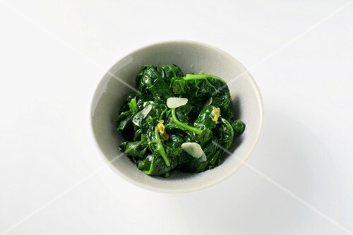 Winter spinach with lemon oil