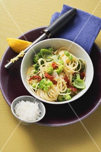Spicy spaghetti and broccoli