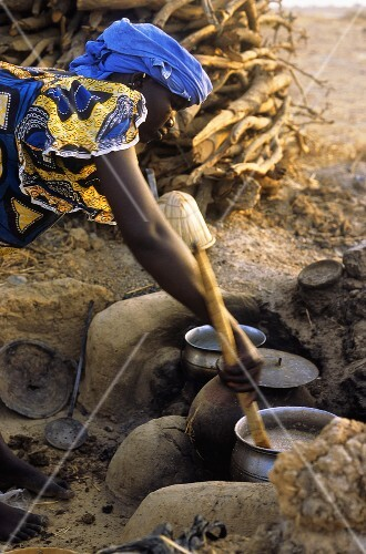 Hirsebrei kochen (Mali)