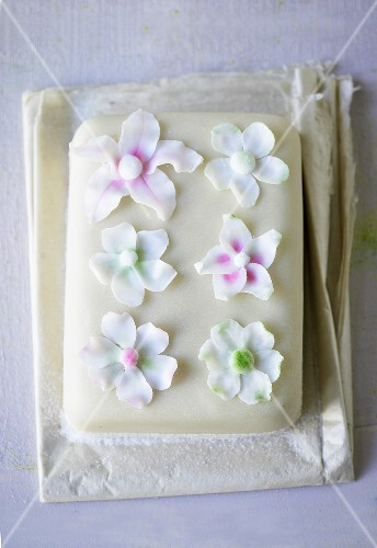Marzipan cake with fondant flowers