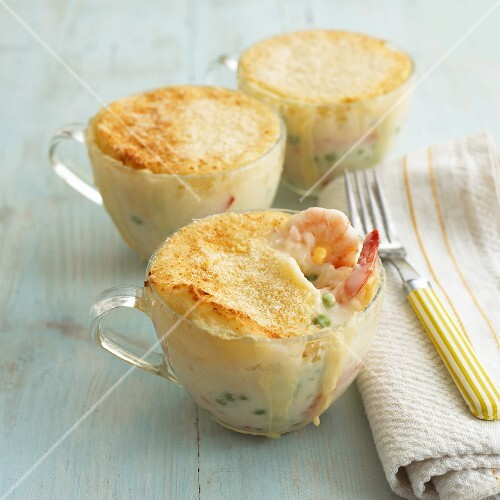 Prawn and pea pies in glass cups