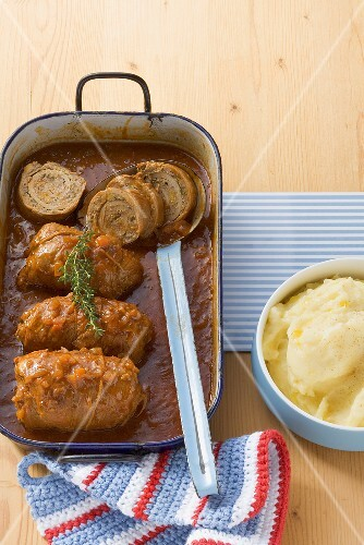 Veal roulades with mince filling