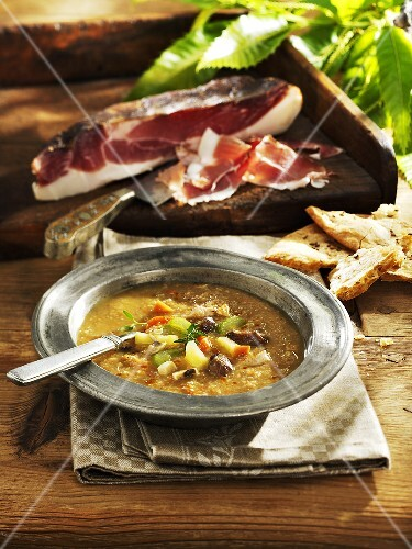 Chestnut and vegetable soup with bacon
