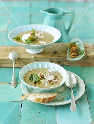 Mushroom soup with goat's cheese and sage