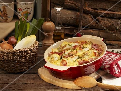 Chicory gratin with ham