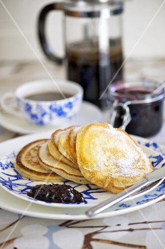 Pancakes with cranberry jam (Sweden)