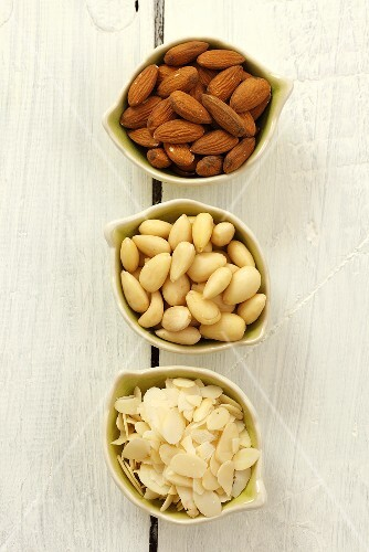 Almonds: unpeeled, peeled and slivered