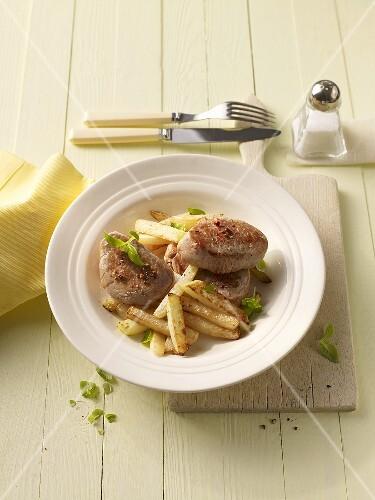 Pork loin with kohlrabi chips