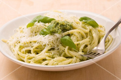 Linguine with pesto (pasta with basil sauce, Italy)