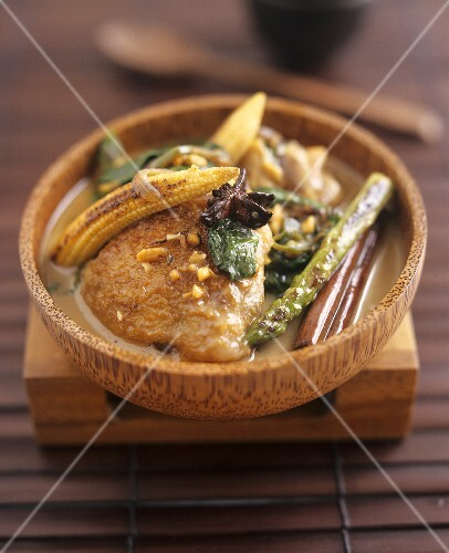 Chicken in peanut sauce with vegetables